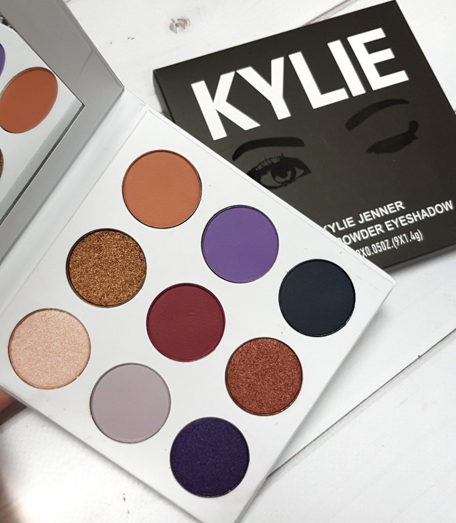 Палетка теней PURPLE PALETTE KYSHADOW от Kylie Cosmetics