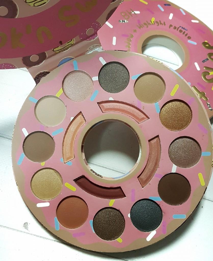 Палетка теней BH Cosmetics Donut Shop  в виде пончика