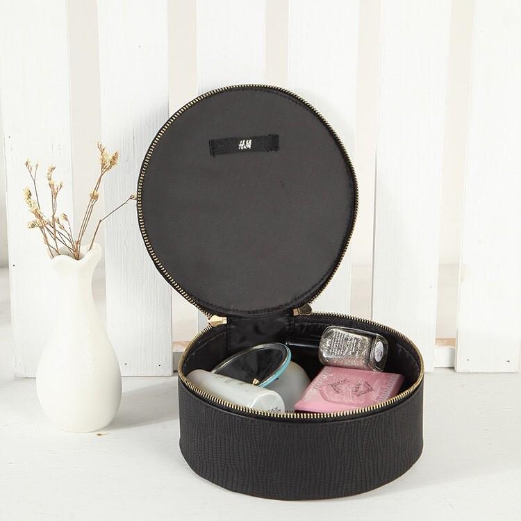 Твердая кожаная косметичка-шкатулка H&M, 16*7 см.