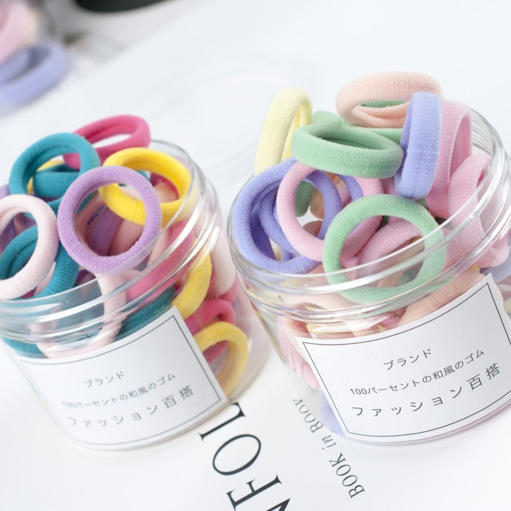 Набор цветных резинок для волос диаметром 3 см. 50шт. в банке