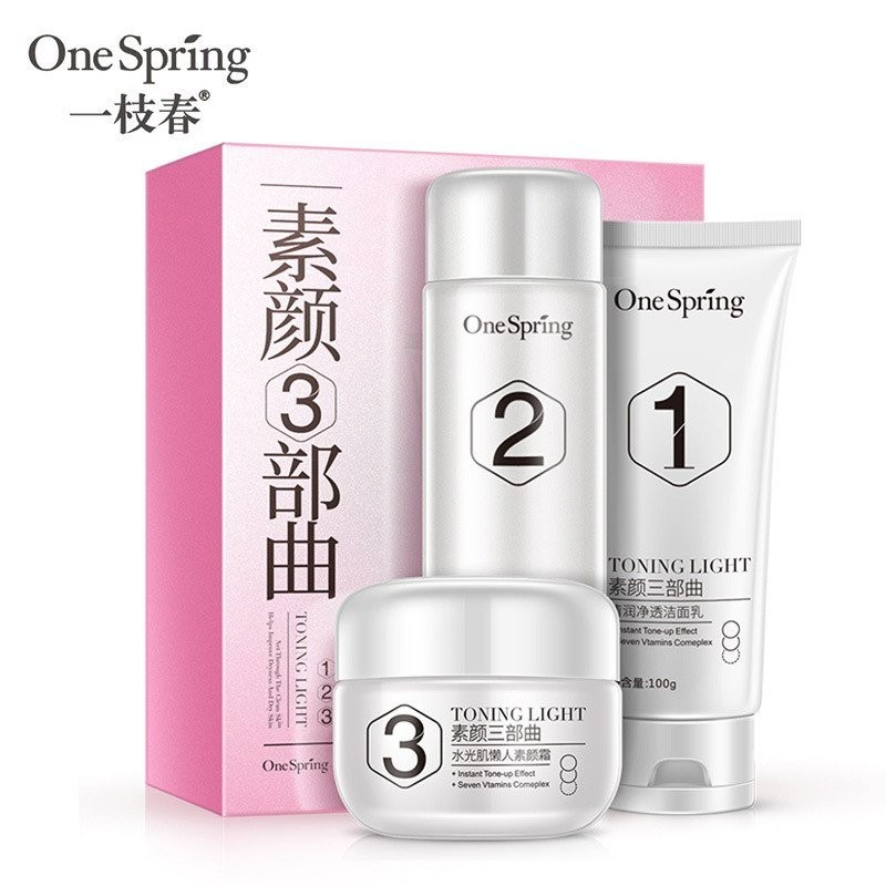 Набор для ухода за кожей лица Витамины и минералы One Spring toning light, 3 средства.