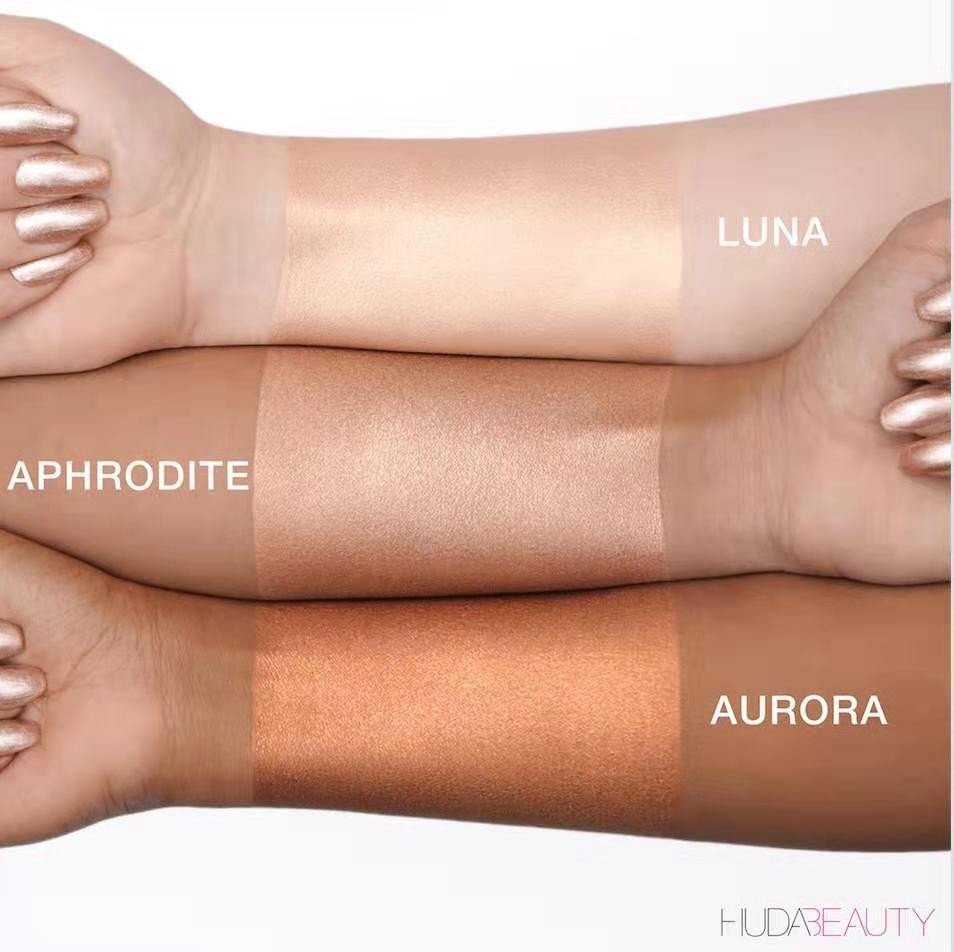 Хайлайтер жидкий для лица и тела Huda Beauty Body Highlighter